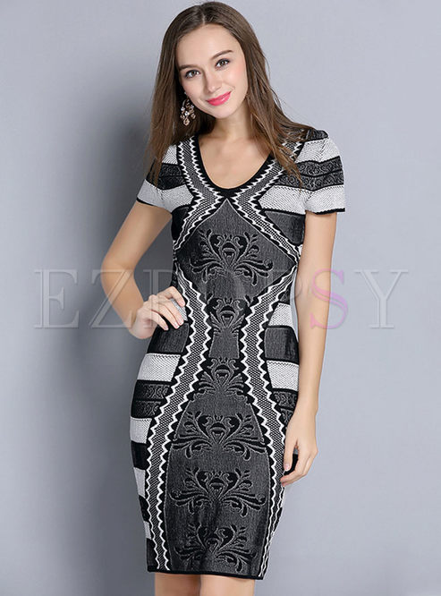 You can still put on a casual dress for shopping, gathering with best pals or any daily routines, because wearing a dress is so convenient and good looking. As for fashion party queen, club dress is the one that you cannot miss, which is a super good piece to show out your curves.
