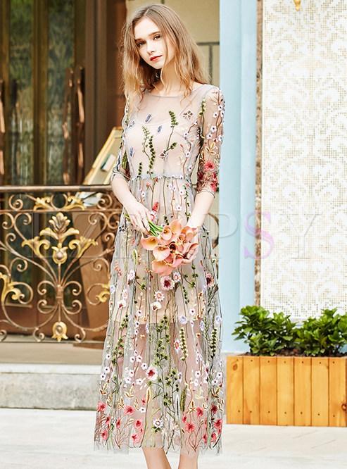Платье с вышивкой на сетке 47