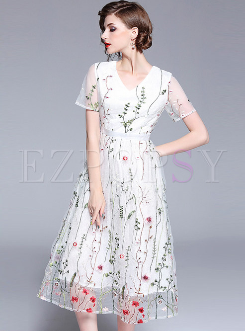 Gauze Embroidery Perspective Midi Dress