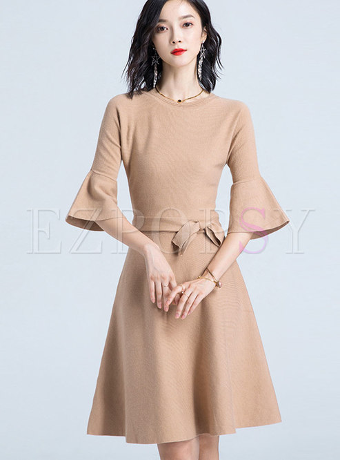 Brief Flare Sleeve Tied Front Gathered Waist Knitted Dress
