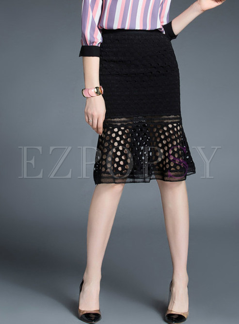 Stylish White Lace Flouncing Hollow Out Slim Skirt