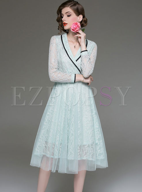 Elegant Color-blocked Hollow Out High Waist Slim Lace Dress