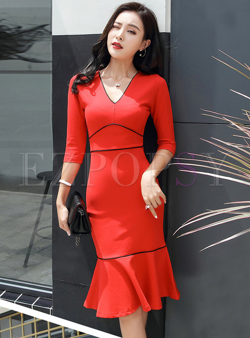 Stylish V-neck Three Quarters Sleeve Slim Mermaid Dress