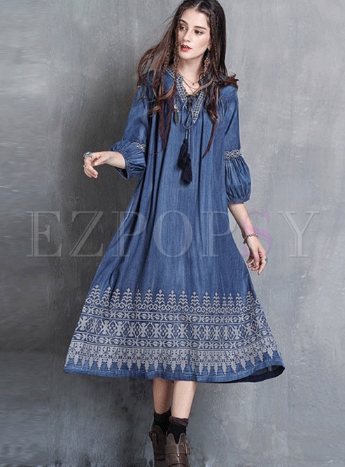 Loose V-neck Tied Lantern Sleeve Embroidered Dress