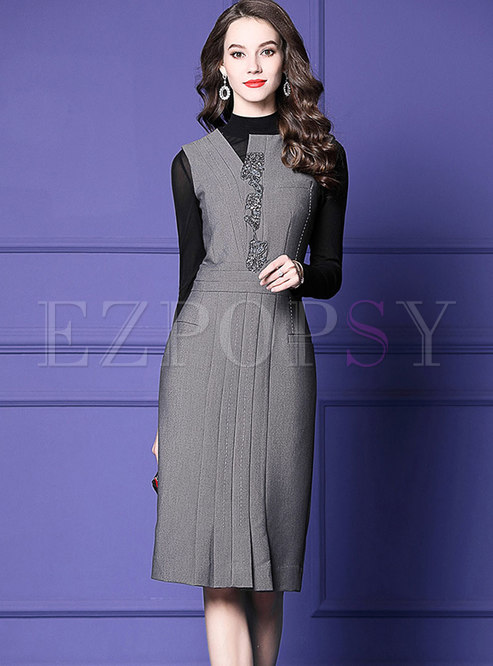 Fashion Grey Sleeveless V-neck Beaded Bodycon Dress