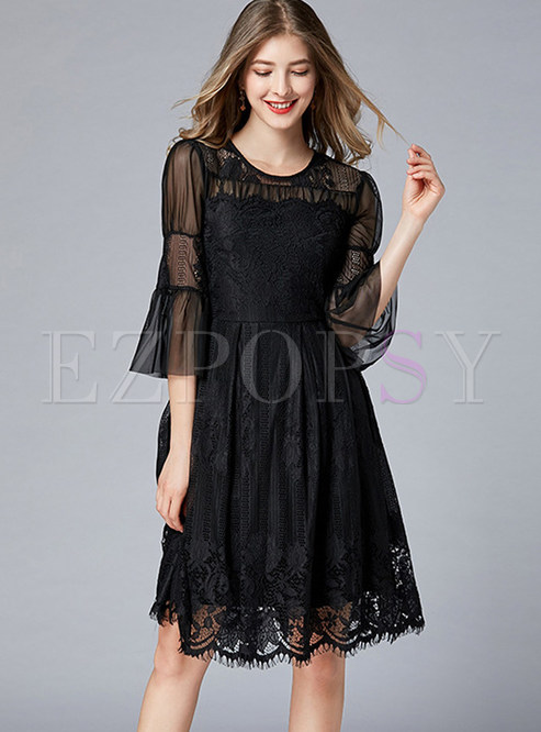 O-neck Perspective Flare Sleeve Splicing Lace Dress