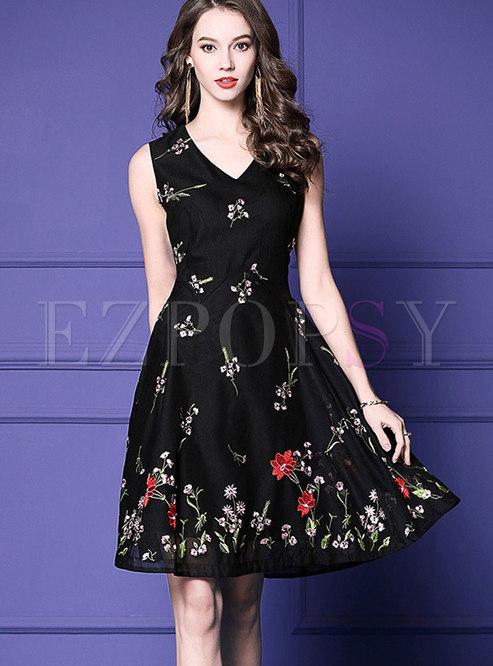 Stylish V-neck Sleeveless Embroidered Skater Dress