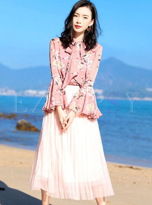Sweet Print Flare Sleeve Tie-collar Blouse & High Waist Pleated Skirt