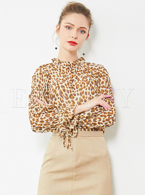 Chic Leopard Flare Sleeve Pullover Blouse