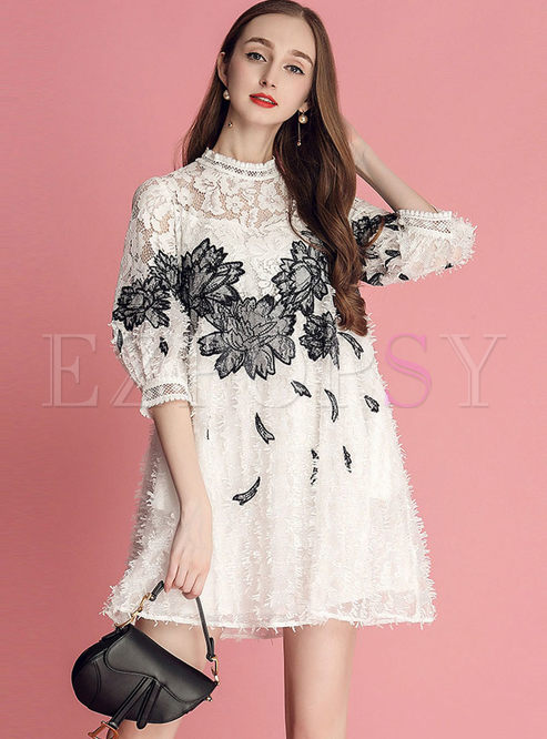 Lace Splicing Embroidered Shift Dress