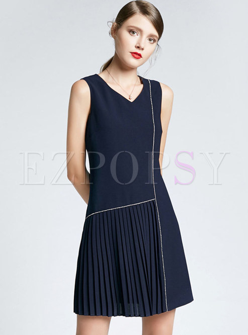 Elegant V-neck Sleeveless Pleated Mini Dress