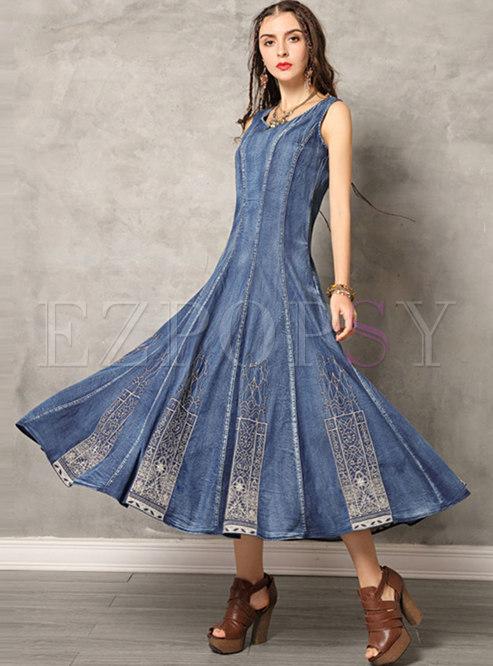 O-neck Embroidered Sleeveless Denim Maxi Dress
