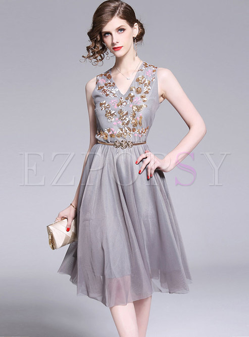 Mesh Embroidered V-neck Sleeveless Short Party Dress