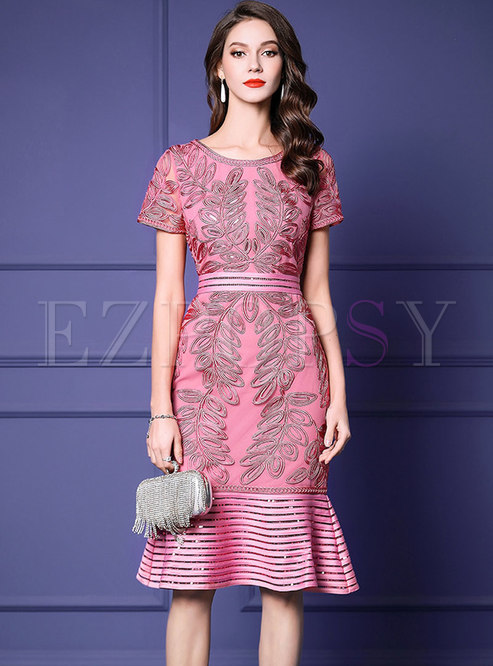Stylish Pure Color Embroidered Mermaid Bodycon Dress