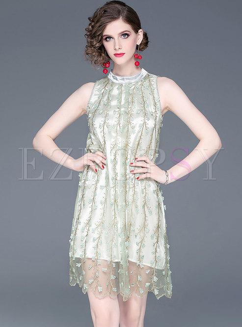Elegant Stereoscopic Flower Sleeveless Shift Dress