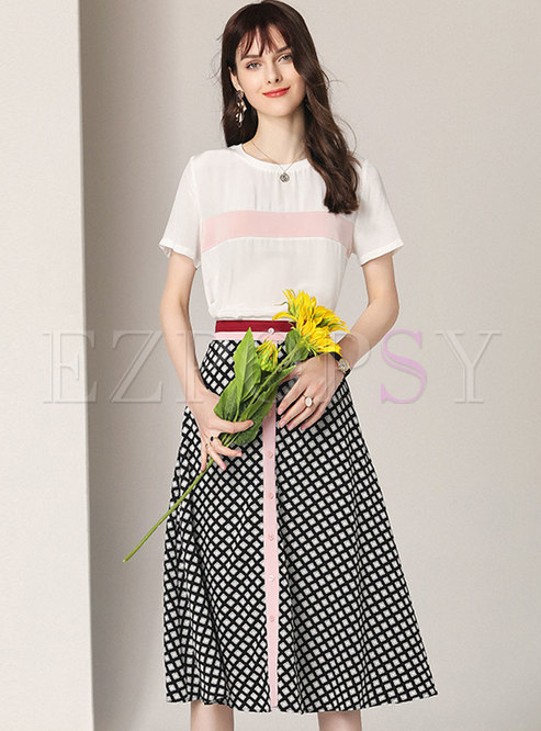 Casual Color-blocked T-shirt & Plaid A Line Skirt