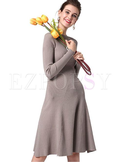 Brief Solid Color O-neck Knit Dress