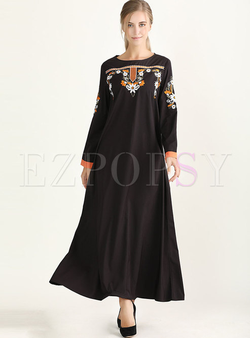 Crew Neck Embroidered Loose Maxi Dress
