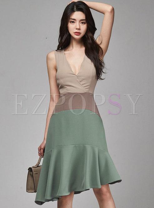 Deep V-neck Sleeveless Patchwork Ruffle Dress