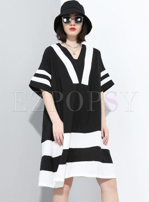 V-neck Color-blocked Plus Size T-shirt Dress