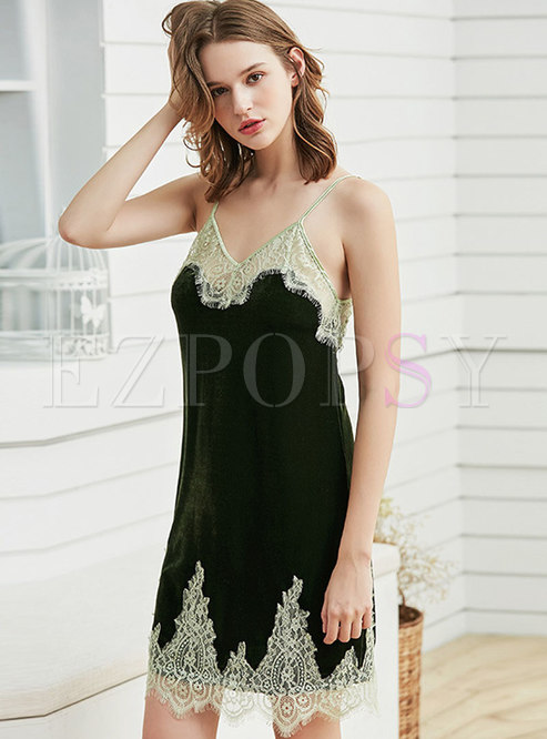 Patchwork Lace Velvet Spaghetti Strap Nightgowns