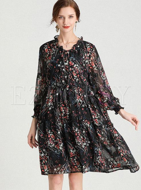 Plus Size V-neck Print Chiffon Dress