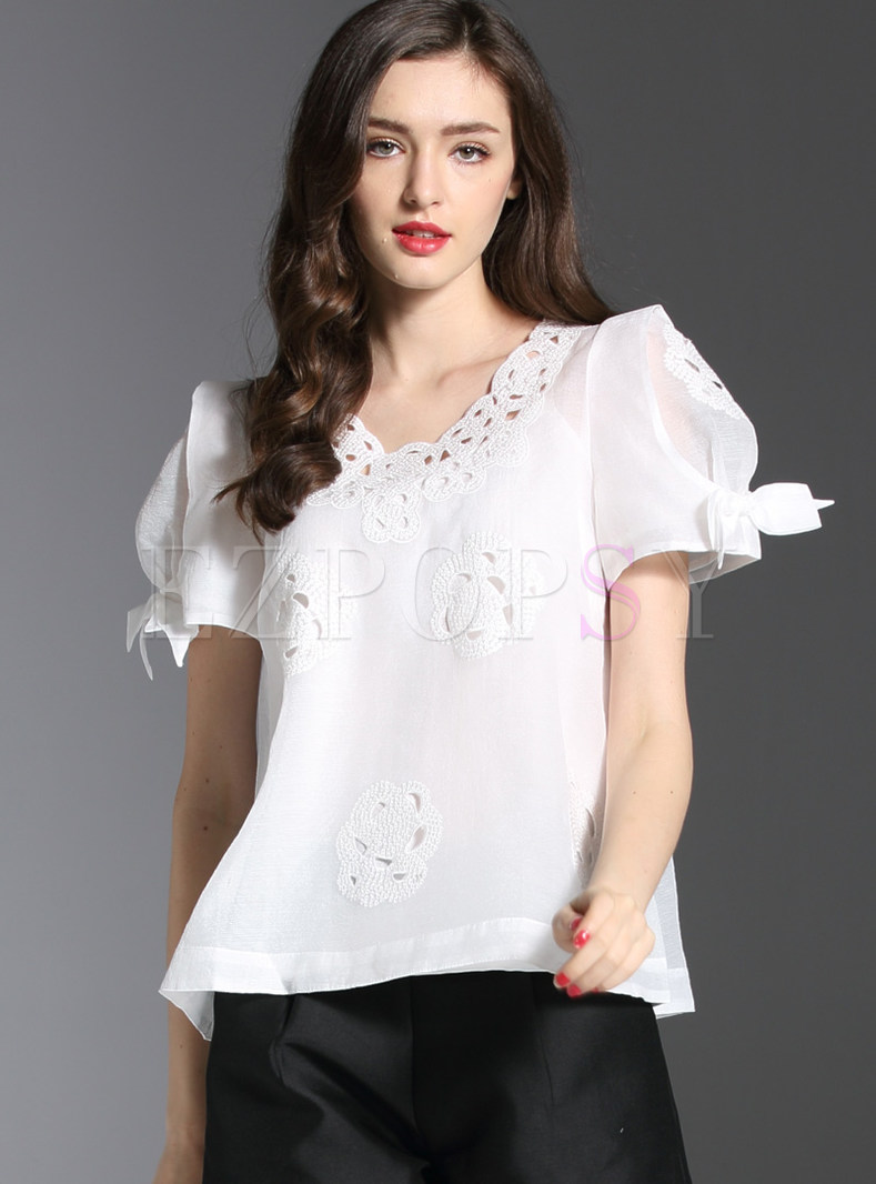 Sweet V-neck Hollow Out T-shirt