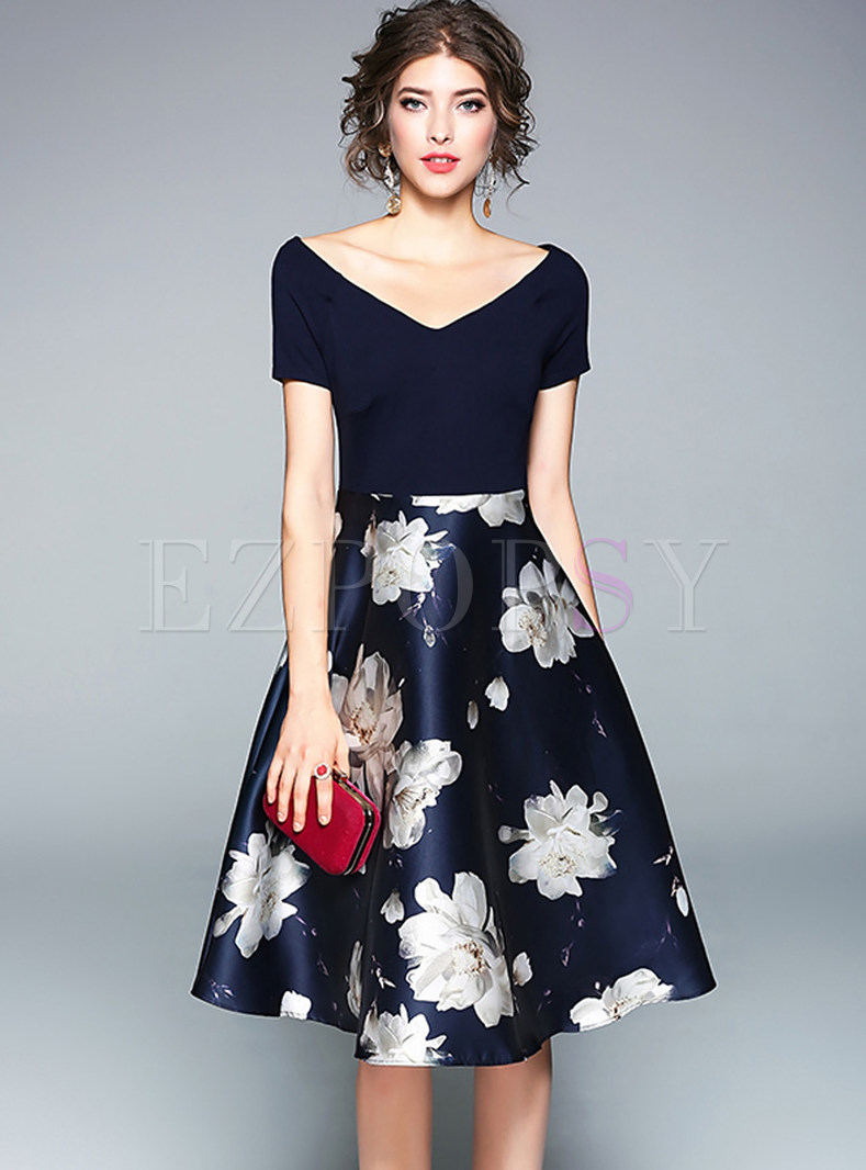 Stylish Floral Print Stitching V-neck Skater Dress