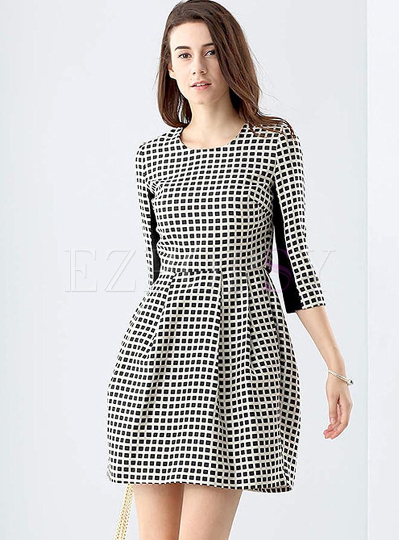 Brief Plaid O-neck Three Quarter Sleeve Slim Skater Dress
