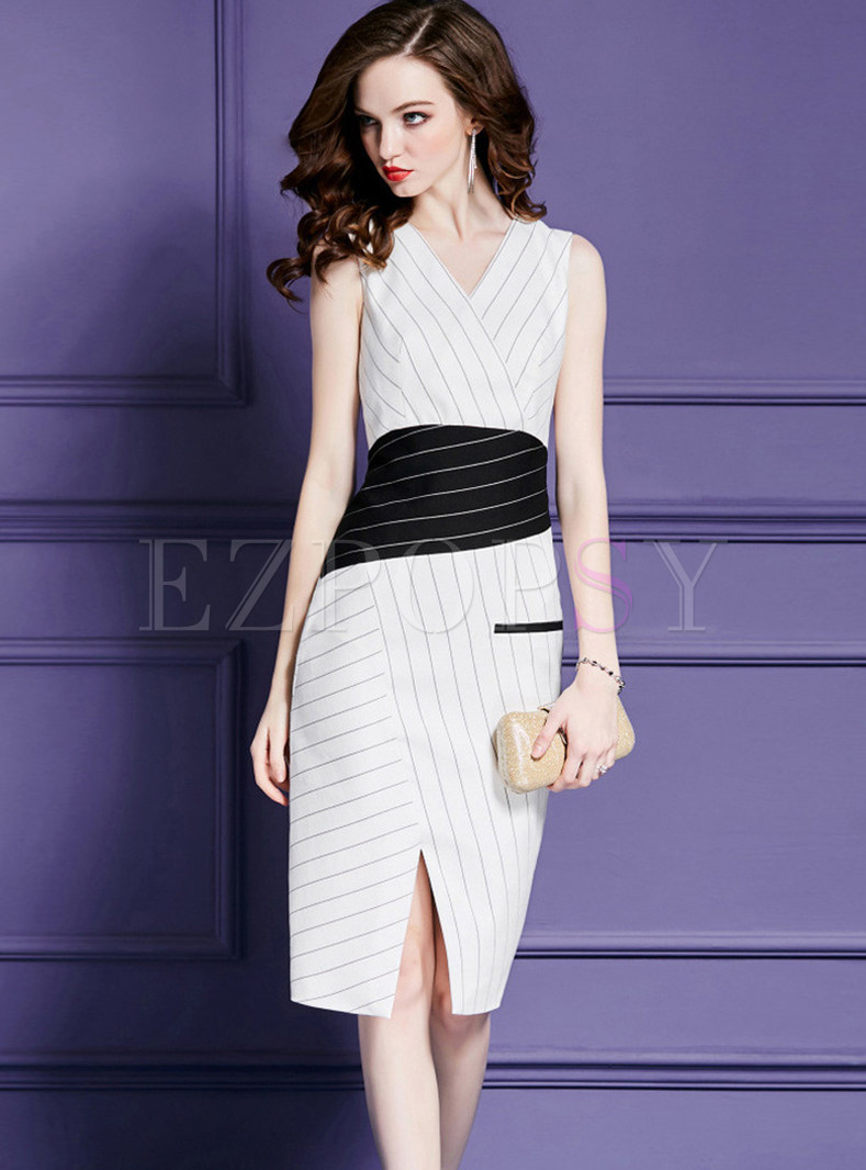 Trendy V-neck Sleeveless Slit Sheath Dress