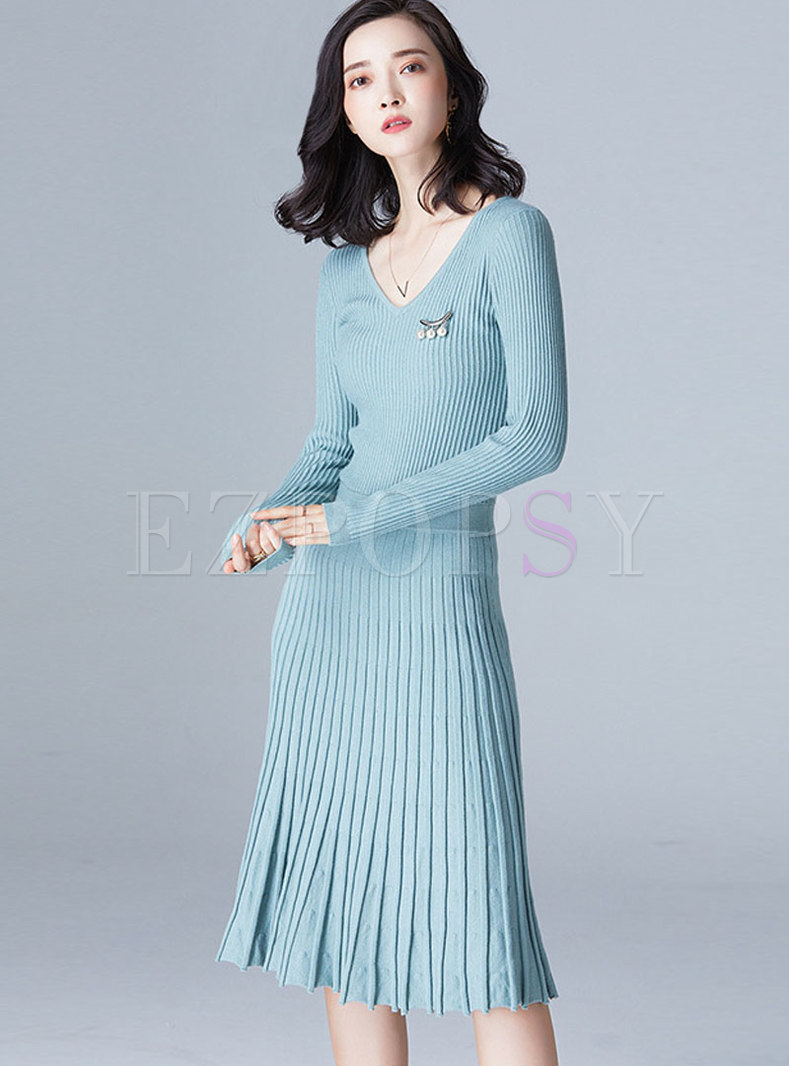 Fashion Plus Size V-neck Pleated Knitted Dress