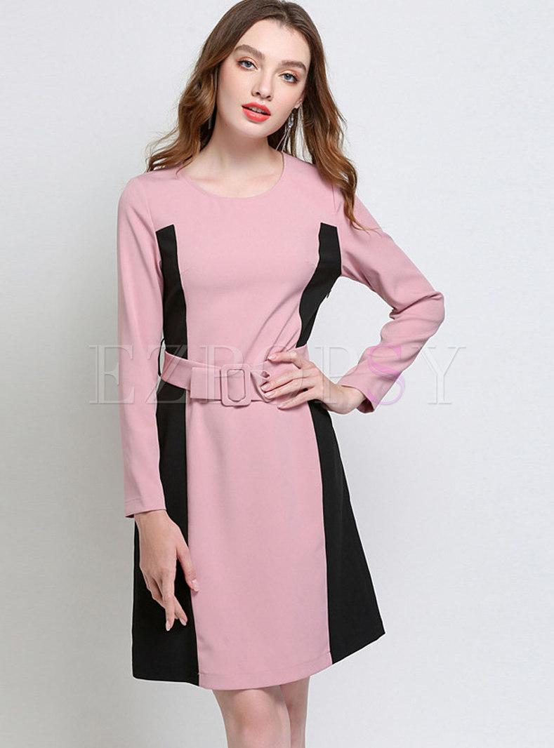 Trendy Contrast-color Belted Plus Size Skater Dress