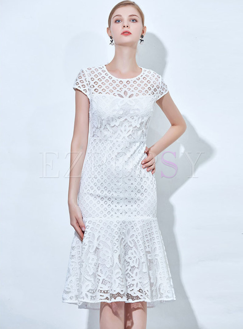 Elegant Lace-paneled Flouncing Hem Sheath Dress