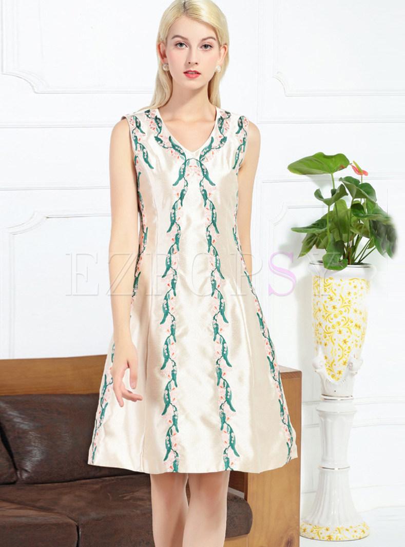 V-neck Sleeveless Embroidered Plus Size Skater Dress