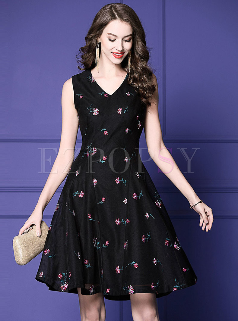 Stylish Floral Embroidered V-neck Sleeveless Skater Dress