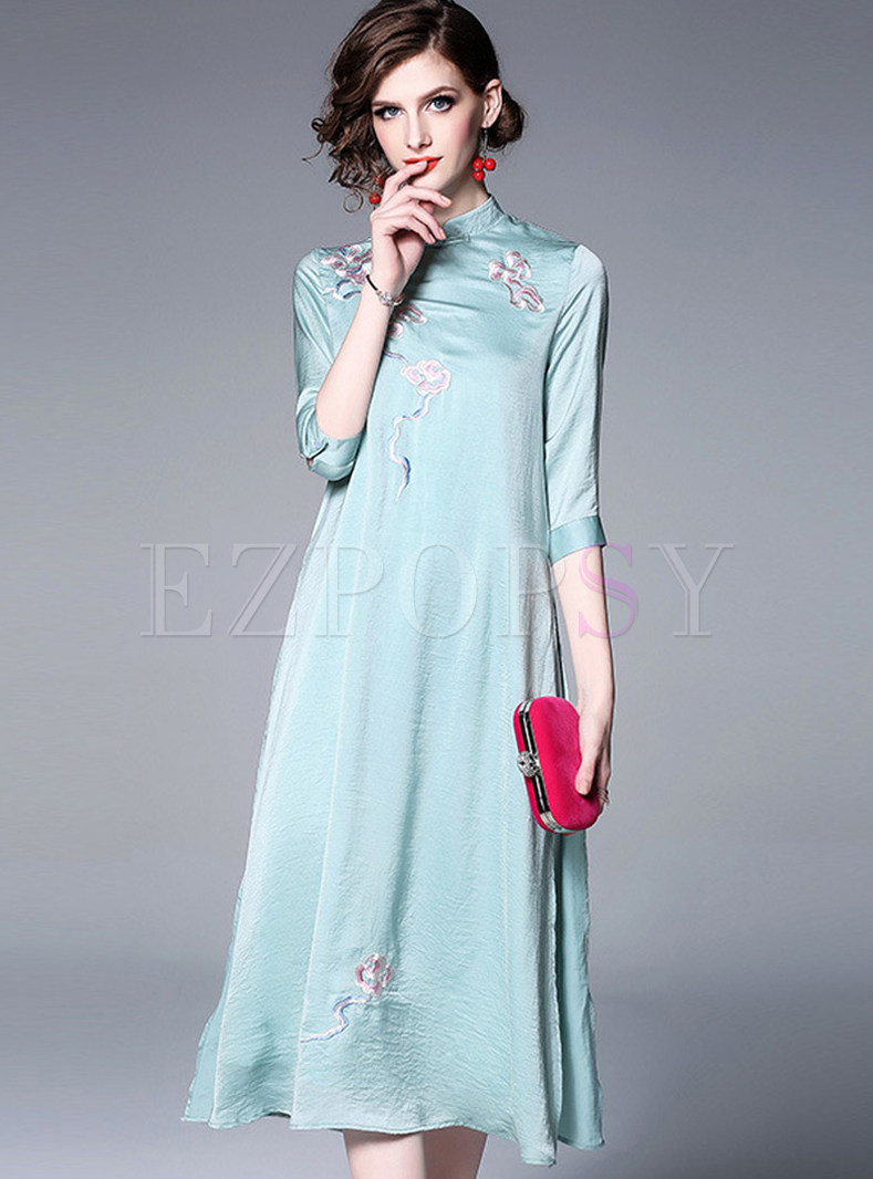 Vintage Mandarin Collar Embroidered Improved Cheongsam Dress