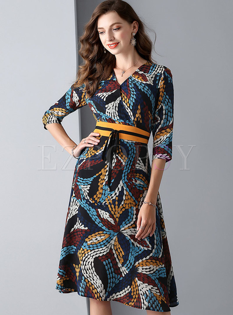 Elegant Print V-neck Tie-waist Slim Skater Dress