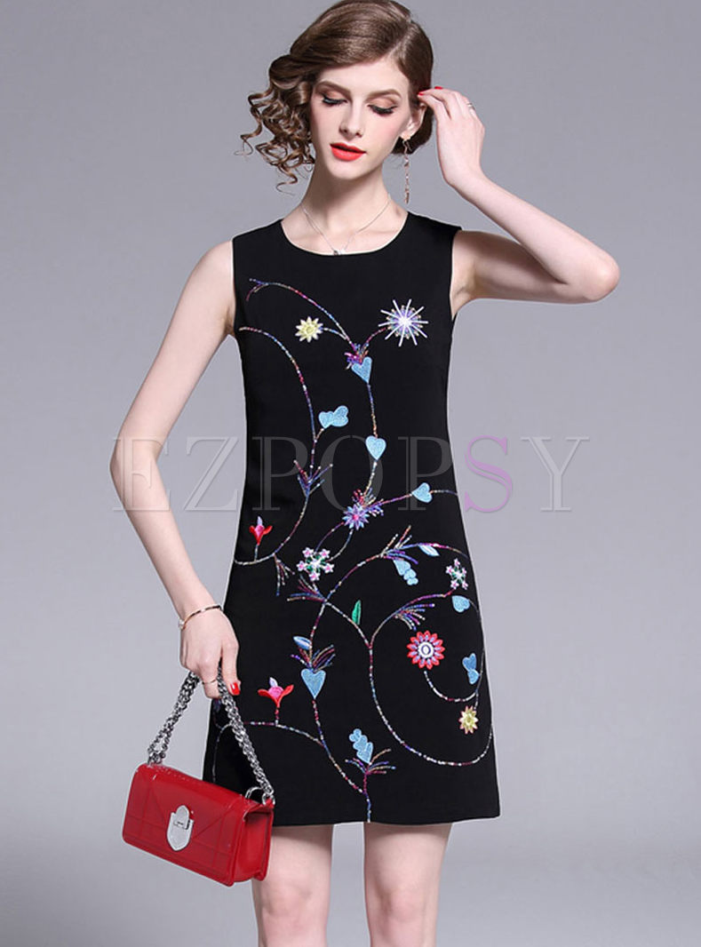 O-neck Sleeveless Embroidered Bodycon Dress