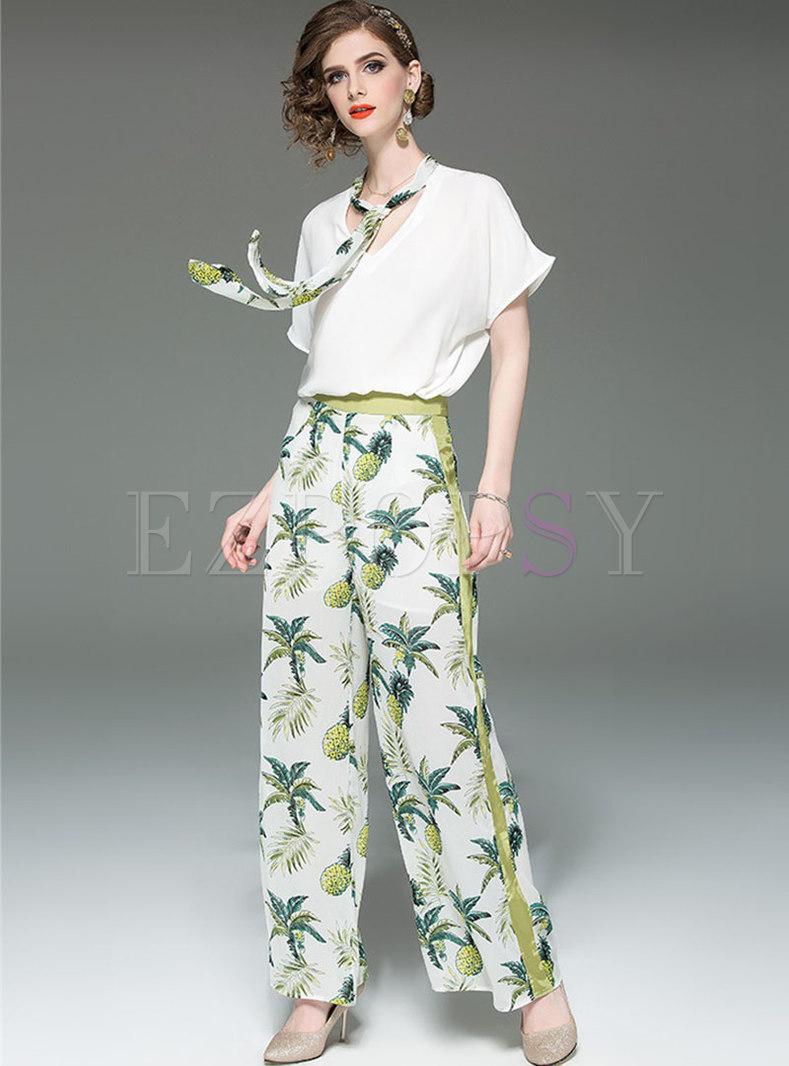 Stylish V-neck Tie T-shirt & Print Wide Leg Pants