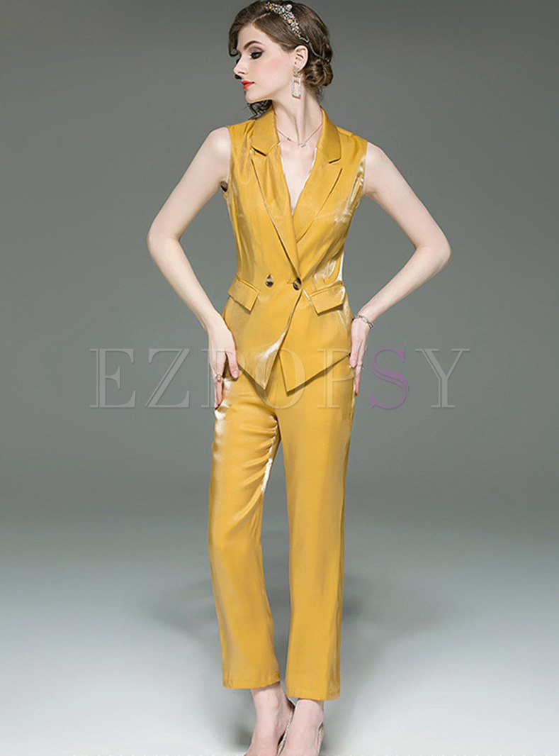 Elegant Notched Sleeveless Slim Top & Straight Pants