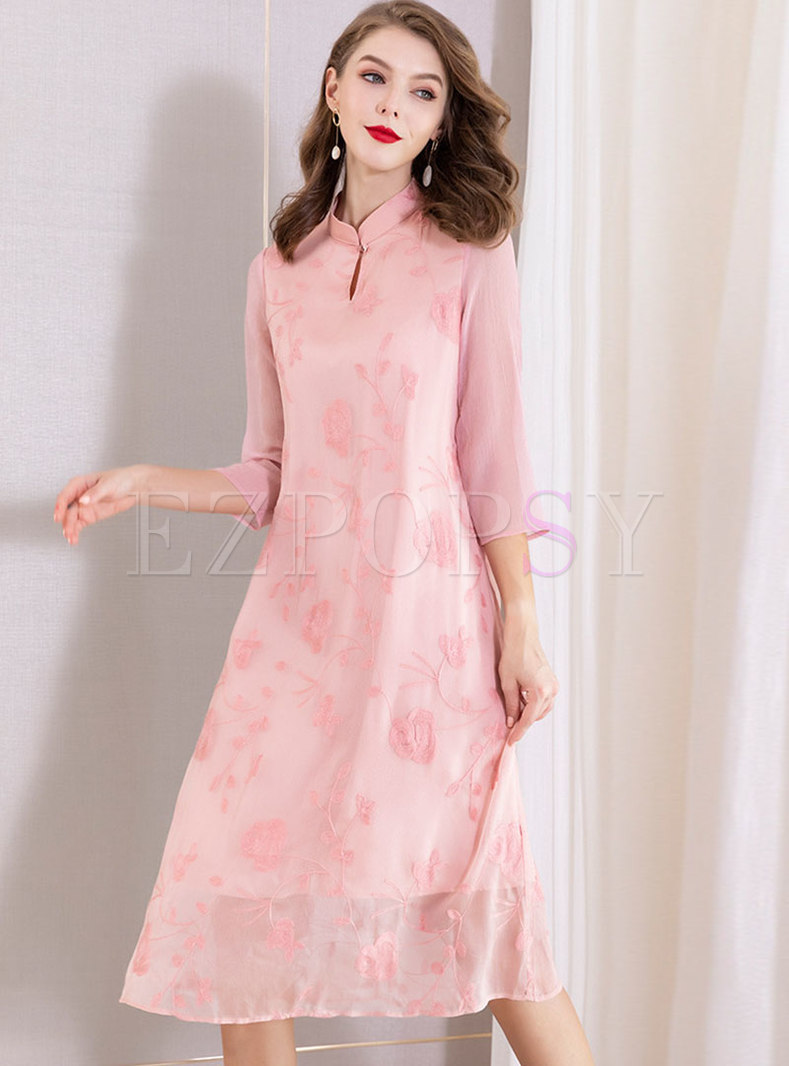 Retro Embroidered Stand Collar Loose Dress