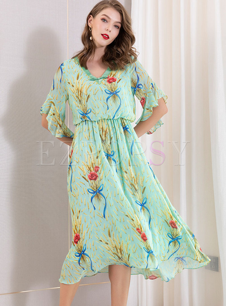 Print V-neck Flare Sleeve Slim Skater Dress