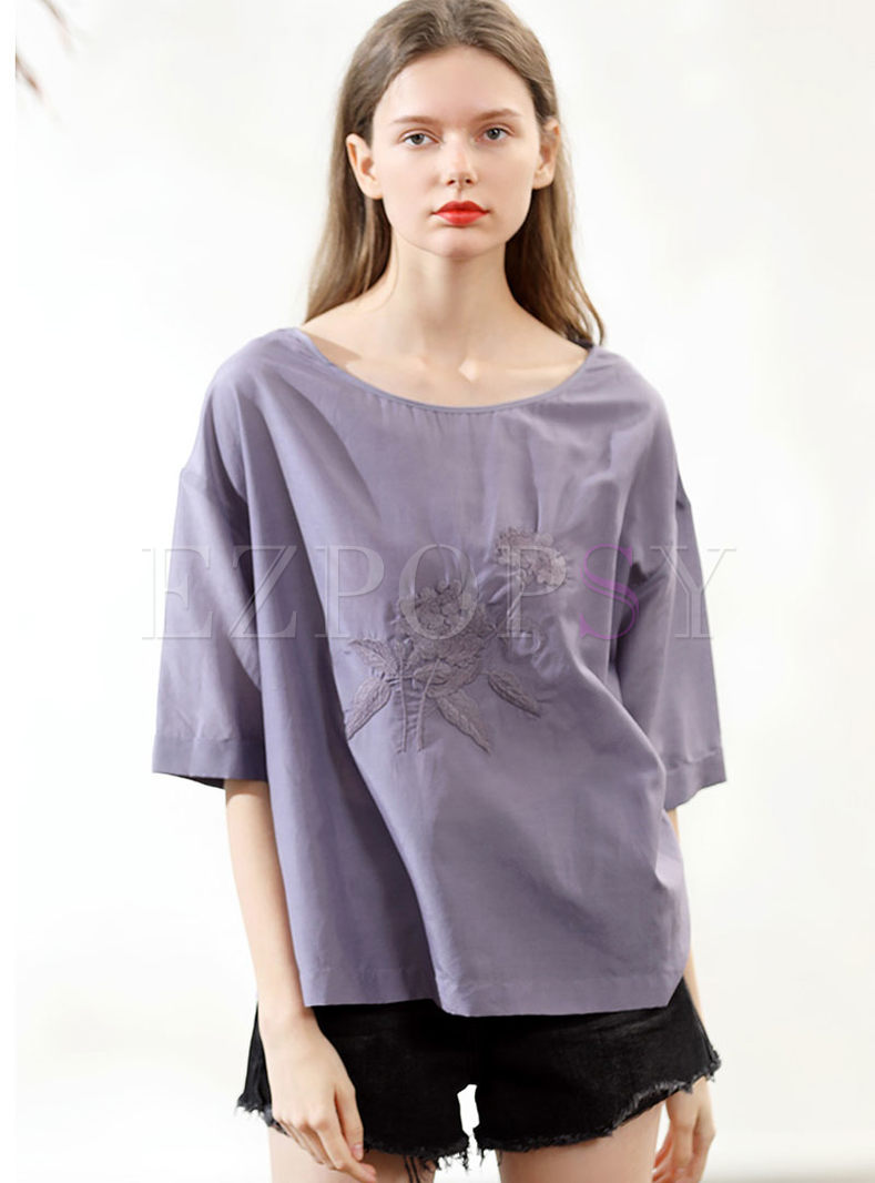 Brief O-neck Half Sleeve Embroidered T-shirt