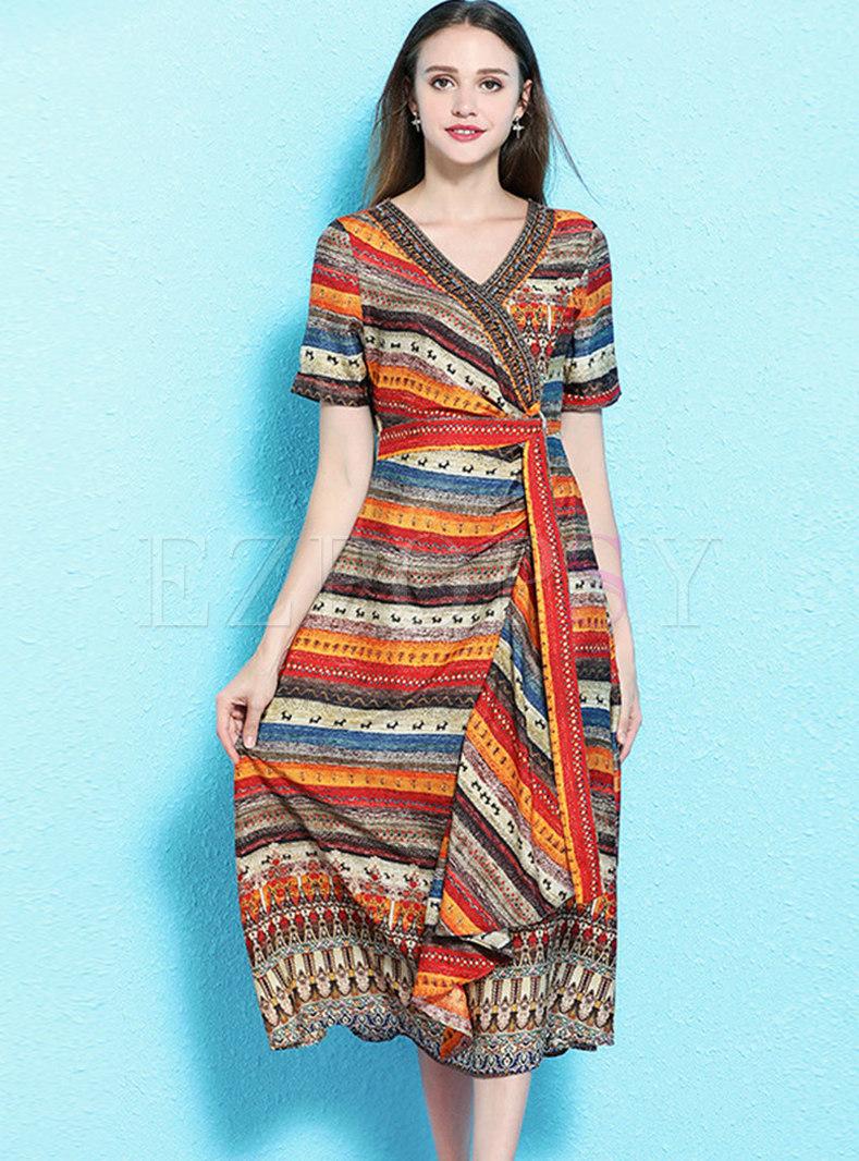 Color-blocked V-neck Drilling Tie-waist Skater Dress