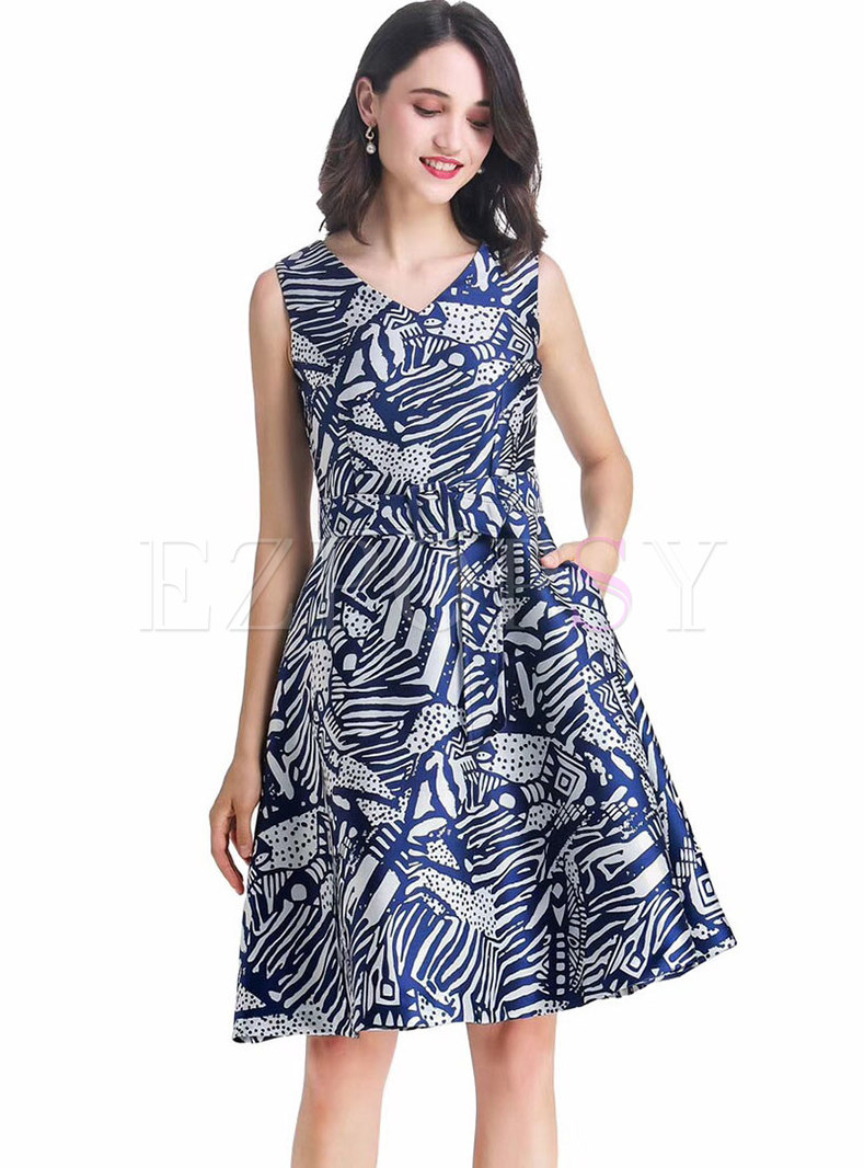 Stylish Print V-neck Sleeveless Skater Dress