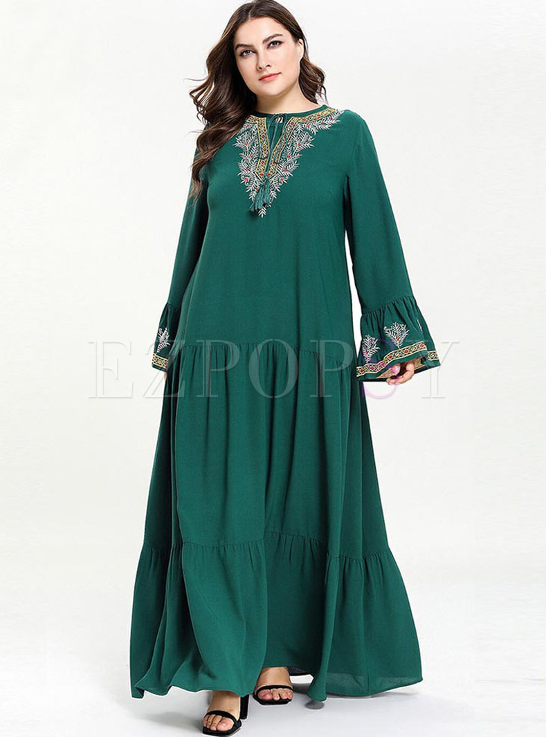 0562482204701 Stylish Plus Size Embroidery Lantern Sleeve Maxi Dress