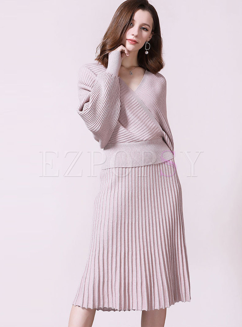 V-neck Batwing Sleeve Cross Sweater & Pleated Knit Skirt
