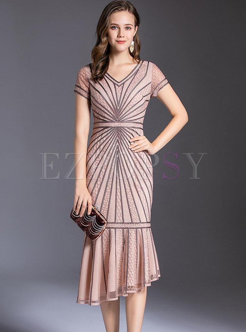Color Block V-neck Embroidered Peplum Cocktail Dress