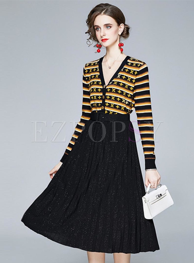 Striped Print Knitted Belted Pleated Skirt Suits