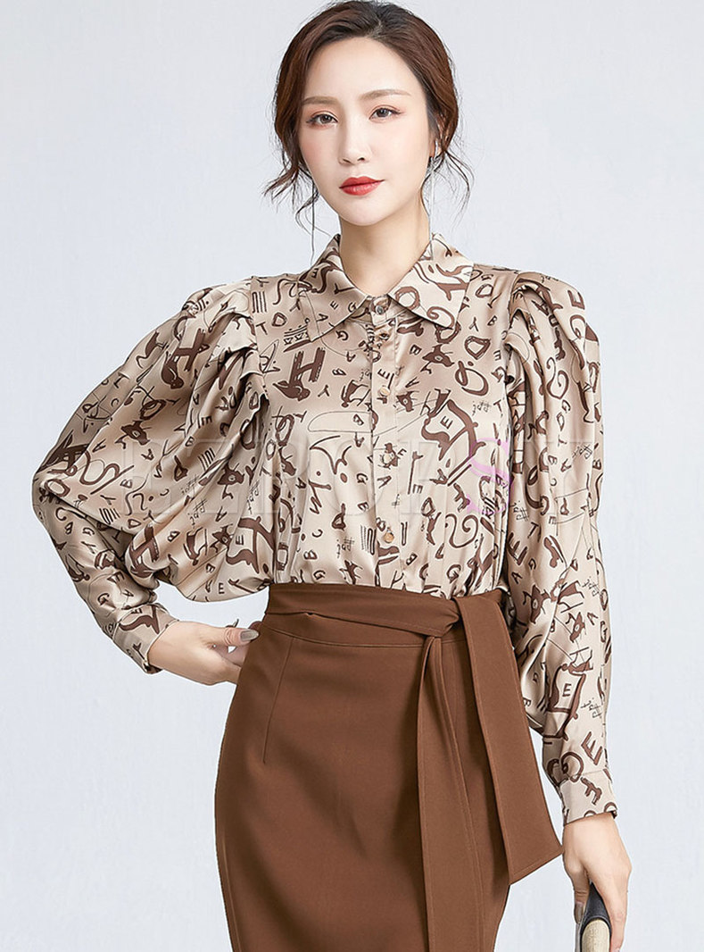 Batwing Sleeve Letter Print Loose Blouse